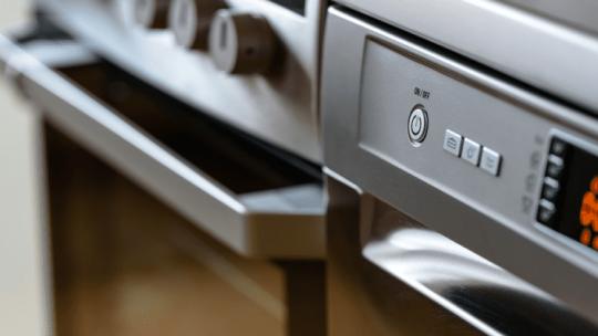 Met deze 3 tips maak je jouw keukenmachine in een handomdraai brandschoon